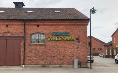 Nära samarbete om fasadskyltning till Nordic Wellness